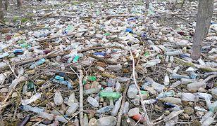 """Morze plastiku nad Jeziorem Żywieckim. """"Efekt pandemii"""""""