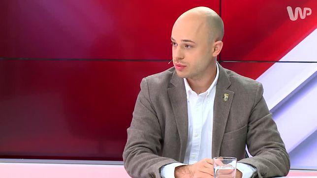 Warszawa. Jan Śpiewak rozpoczął zbiórkę pieniędzy. Jak pomóc aktywiście, który walczył z reprywatyzacją?
