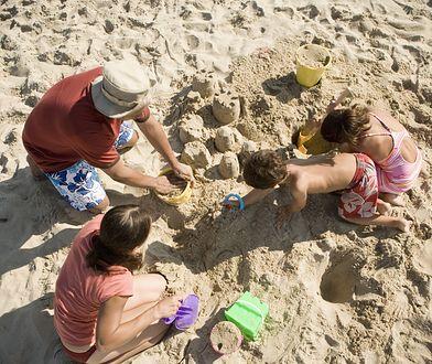 Nie chcą oglądać nagich dzieci na plaży. Wiemy dlaczego...
