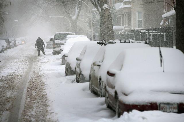 """Spadnie pół metra śniegu. """"Nie wychodźcie z domów"""""""