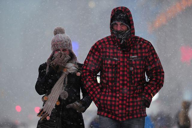 Ostry atak zimy. Zamknięte szkoły i urzędy - zobacz