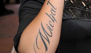 Tatuaż z imieniem ukochanego. Błąd, który popełniają nie tylko gwiazdy