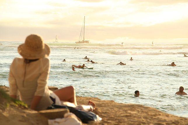 Bon turystyczny może sprawić, że wiele osób w końcu wybierze się na swój pierwszy urlop.