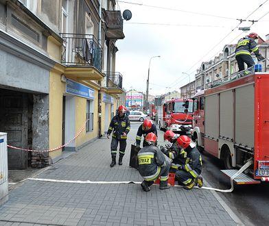 Lublin: zawalił się strop kamienicy. Trwa akcja strażaków