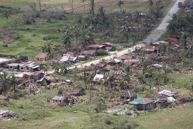 Żywioł zrywał dachy i przewody elektryczne. Są ofiary