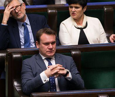 Mamy nowe oświadczenia majątkowe posłów. Tarczyński z drogim zegarkiem i długami, Andruszkiewicz odłożył 67 tys. zł