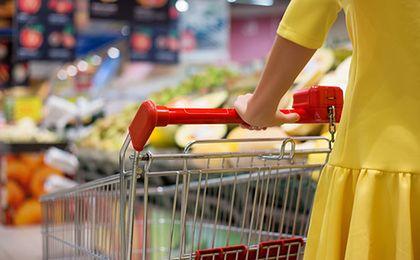 Dyskonty spożywcze. Zobacz, ile żywności kupują w nich Polacy