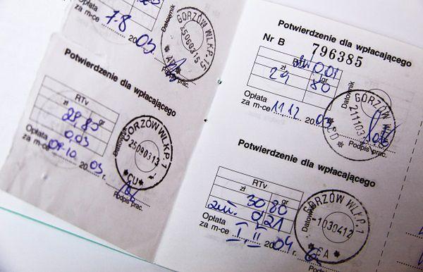 Abonament RTV - Polacy płacą więcej, niż powinni. Poszkodowanym należy się odszkodowanie