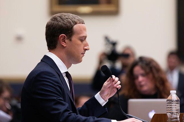 Mark Zuckerberg podczas przesłuchania na temat wirtualnej waluty Libra.