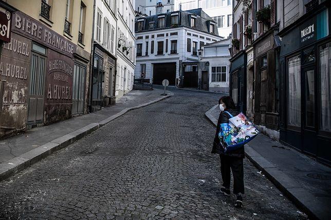Koronawirus we Francji. Od wtorku mieszkańcy mogą oddalać się 1 km od domu i wychodzić tylko na godzinę.
