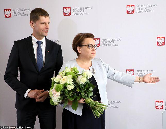 """Dariusz Piontkowski uczył historii. """"Jeden z lepszych nauczycieli"""". Jako minister może nie mieć takiej opinii"""