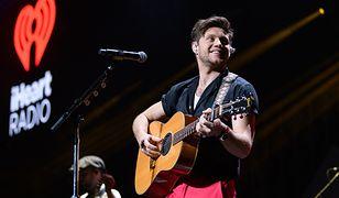 Niall Horan podczas koncertu w 2019 r. na Florydzie.