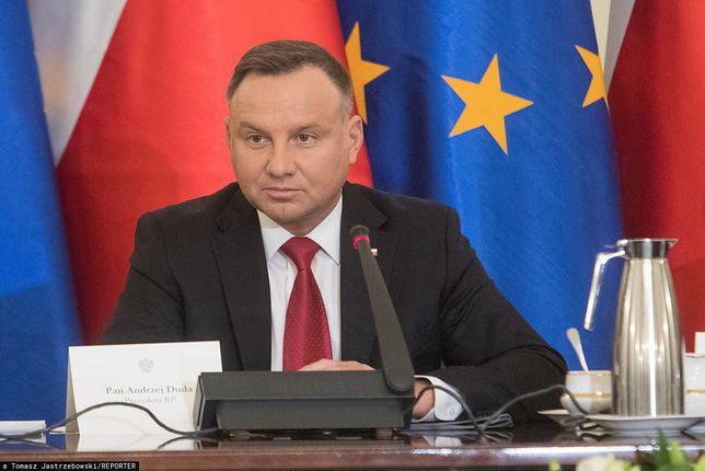 Andrzej Duda utrzymuje swoją wysoką pozycję