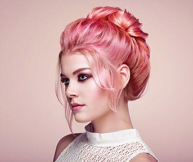 Różowe złoto to kolor włosów, który nie wychodzi z mody