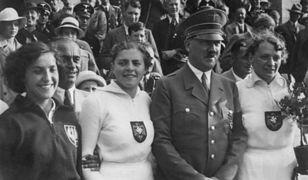 """Hitler nazwał ją """"małą Polką"""", odgryzła się. Potem ich zdjęciem ratowała powstańców"""