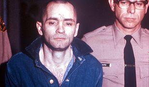 Charles Manson został skazany na dożywocie w styczniu 1971 r. Zmarł w więzieniu 19 listopada 2017 r.