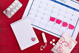 Cykl miesiączkowy - długość, fazy cyklu, ciąża, kalendarzyk miesiączkowy