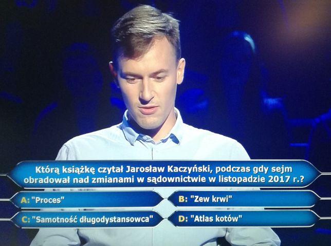 """Pytanie o Jarosława Kaczyńskiego najzabawniejszym akcentem """"Milionerów"""". Nikomu nie sprawiłoby problemu"""