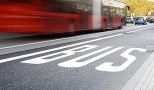 W wielu polskich miastach motocykliści mogą jeździć buspasami.