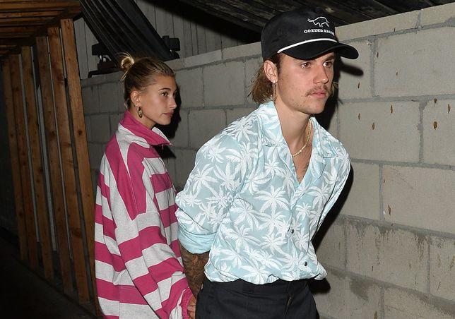 Justin Bieber jak włoski mafioso. Pokochał koszule w kwiaty