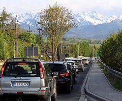 Tatry. Szturm turystów. Zamknięto dojazd do Morskiego Oka