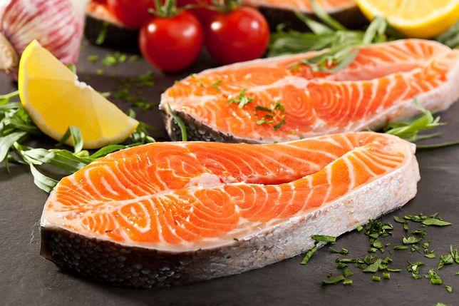 Łososia można spożywać na ciepło, usmażonego, gotowanego, upieczonego lub ugrillowanego. Przepisy z łososiem