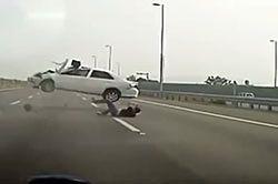 #dziejesięwmoto [186]: wypadek na autostradzie, kłótnia w Kielcach i kłopoty z kierunkowskazem