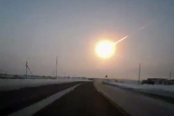 Naukowcy znaleźli fragmenty meteorytu, który spadł w Rosji