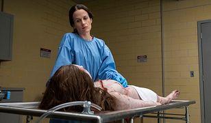 Serialowa Shirley w dorosłym życiu zajmuje się ciałami zmarłych