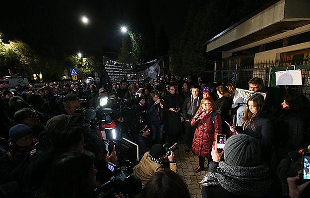 Protest przed domem prezesa PiS Jarosława Kaczyńskiego