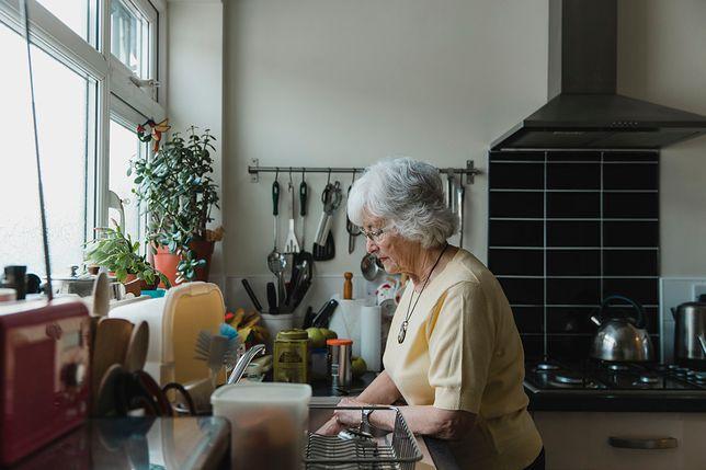 Teściowa nie pozwala gotować w kuchni