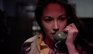 """Telefon z groźbami - znak rozpoznawalny horroru """"Czarne święta"""""""