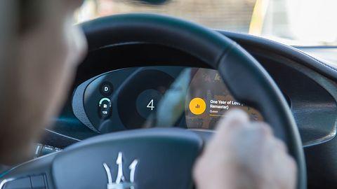 Android Auto wreszcie z OK, Google. Tej funkcji brakowało najbardziej