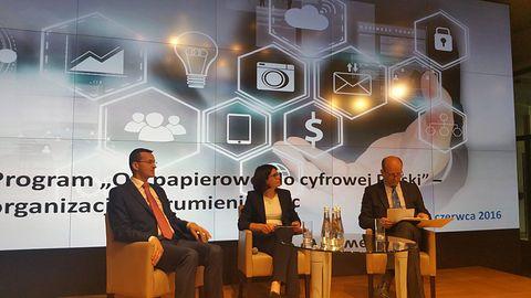 Ministerstwo Cyfryzacji ogłasza koniec Polski. Na razie tej papierowej