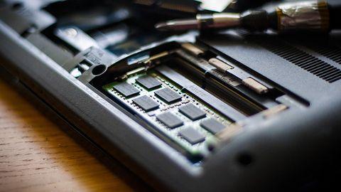 Dyski SSD będą większe i tańsze. Ceny pamięci NAND spadają i będą spadać