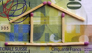 Notowania szwajcarskiej waluty spadły poniżej poziomu 3,58 zł.
