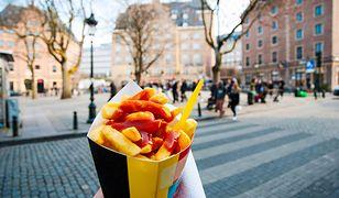 Pierwsza porcja frytek na świecie została usmażona w Belgii.