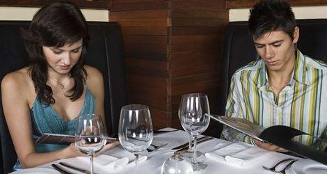 Czego nie powinieneś z nią jeść na pierwszej randce?