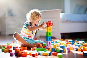 Skoki rozwojowe niemowląt – kiedy się pojawiają i jak je jak rozpoznać