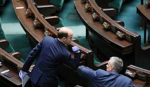 Przewodniczący Platformy Obywatelskiej Borys Budka w czwartek na sali posiedzeń w Sejmie