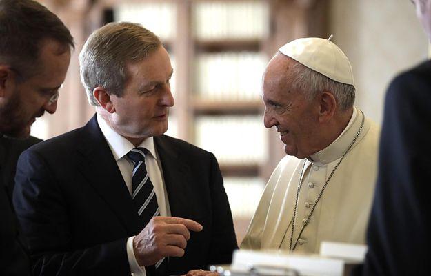 Enda Kenny podczas spotkania z papieżem Franciszkiem