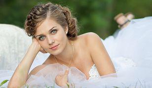 Fryzury ślubne na średnich włosach