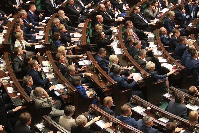 Wybory parlamentarne w 2019 roku odbędą się między 12 października, a 12 listopada
