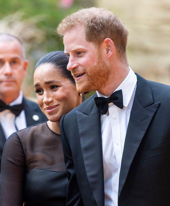 """Meghan i Harry na premierze """"Króla Lwa"""". Fani zachwyceni książęcą parą"""