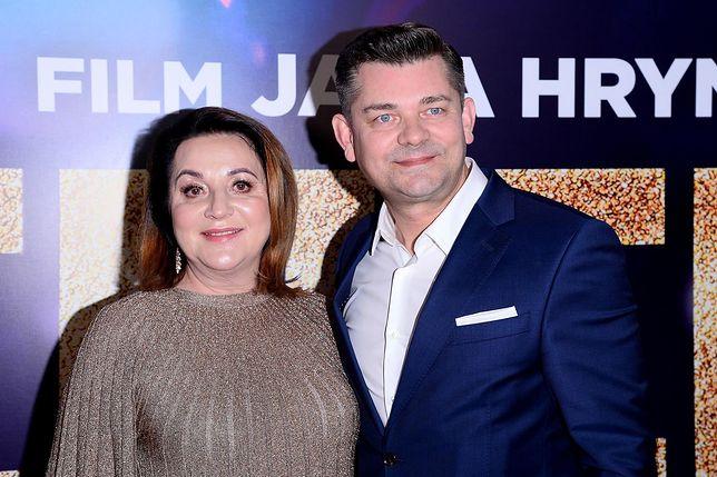 Danuta i Zenon Martyniukowie płacą alimenty za bezrobotnego syna