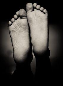 Dziwny challenge na TikToku – peeling stóp