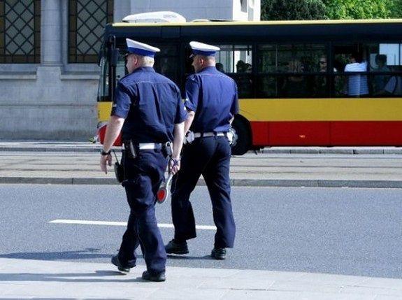 Policja nadzoruje drogi wjazdowe do Warszawy