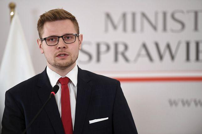 Minister Michał Woś: Doceniono Polskę za pomoc humanitarną