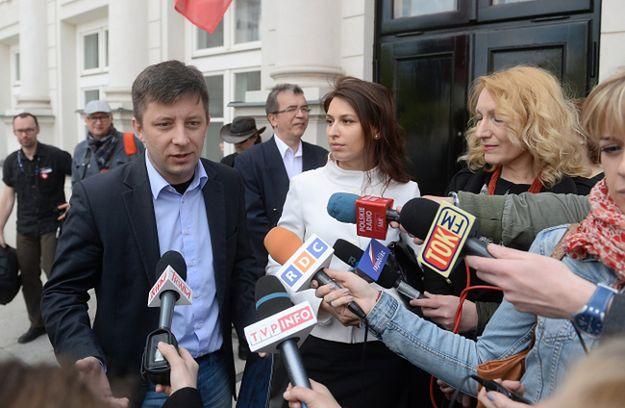 Michał Dworczyk oraz przedstawiciele Polaków z Donbasu spotkali się z dziennikarzami przed Pałacem Prezydenckim