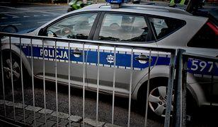 Policjanci potrącili 81-latkę na pasach